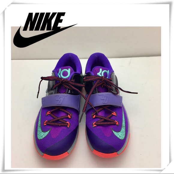 the best attitude 7c99a 47363 Nike Air KD 7 Lightning 534 Cave Purple Youth 7. M 5b04ab838af1c5f6474474c0